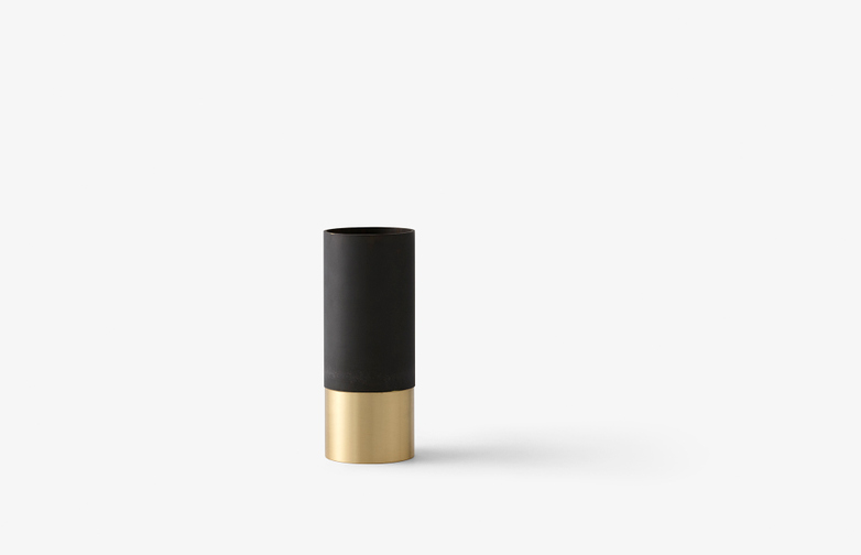 True Colour Vase Black - Brass